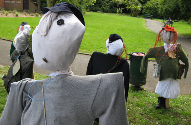 scarecrows outside Dulwich Library